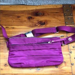 Lululemon Travel Pooch, Fanny Pack / Waist Bag